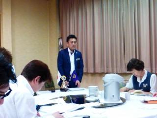 久保田会長の挨拶。アイリス支部の小竹会長にもご出席いただきました。