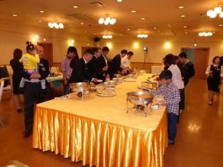 ビュッフェスタイルで美味しい四川中華料理を楽しみました。